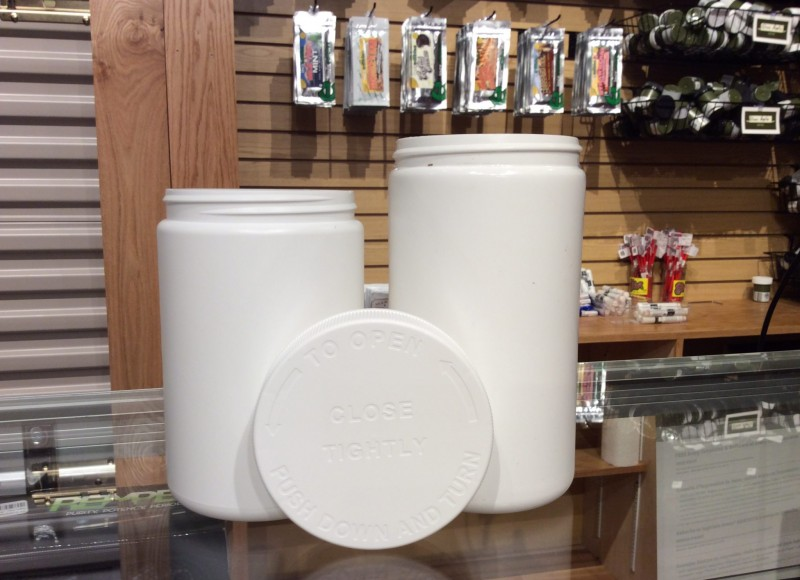 The 25 and 32 oz. jars coupled with child-resistant caps are ideal for packaging an ounce of flower or larger edibles. They also function as an economical alternative to the CRREO bag as exit packaging.